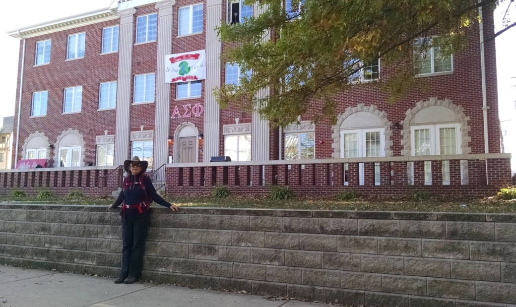 Jackie in front of the Alpha Sig frat house (Chuck's fraternity).