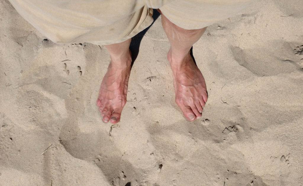 feet-in-the-sand_29219114001_o